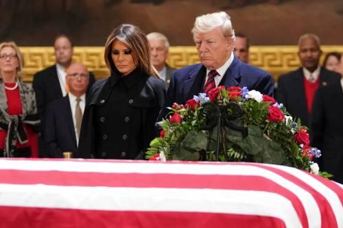 Trump rende omaggio a Bush 5