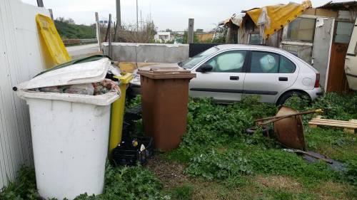 Nel campo rom senza acqua, senza bagni e colmo di rifiuti 3