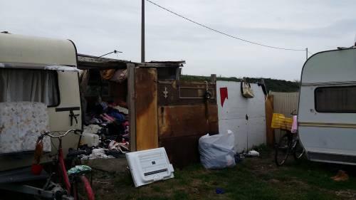 Nel campo rom senza acqua, senza bagni e colmo di rifiuti 4