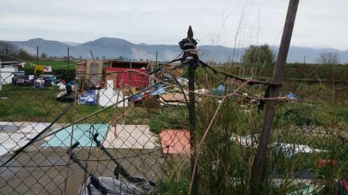 Nel campo rom senza acqua, senza bagni e colmo di rifiuti 6