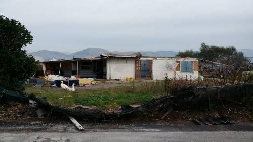 Nel campo rom senza acqua, senza bagni e colmo di rifiuti 11