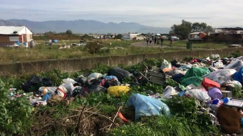 Nel campo rom senza acqua, senza bagni e colmo di rifiuti 13