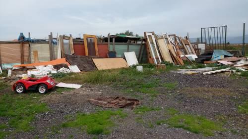 Nel campo rom senza acqua, senza bagni e colmo di rifiuti 15