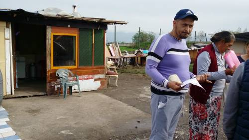 Nel campo rom senza acqua, senza bagni e colmo di rifiuti 21