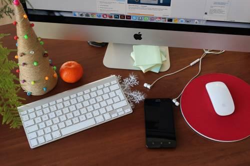 Natale e ufficio, solo il 22% fa i regali ai colleghi
