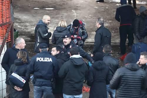 Roma, lo sgombero della fabbrica occupata da più di 500 migranti 8