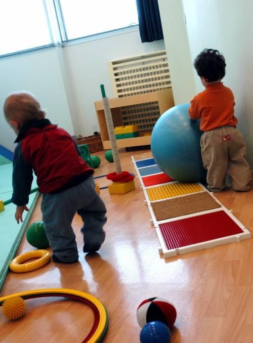 Botte e insulti razzisti ai bimbi dell'asilo: arrestata una maestra