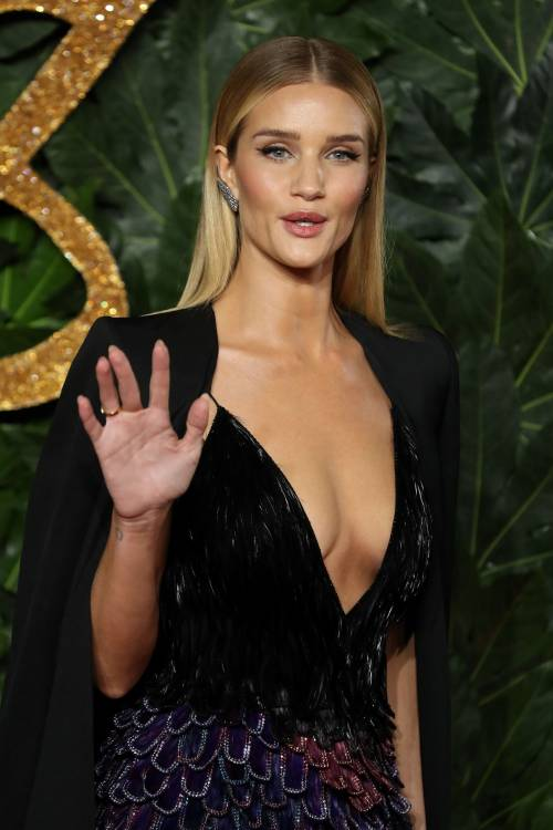 British Fashion Awards, i look più  sexy 3
