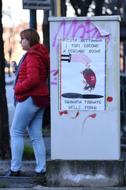 """Poster contro il Torino: """"Topi granata tornate nelle fogne"""" 3"""