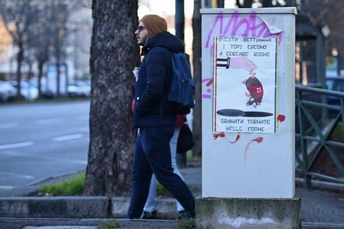 """Poster contro il Torino: """"Topi granata tornate nelle fogne"""" 2"""