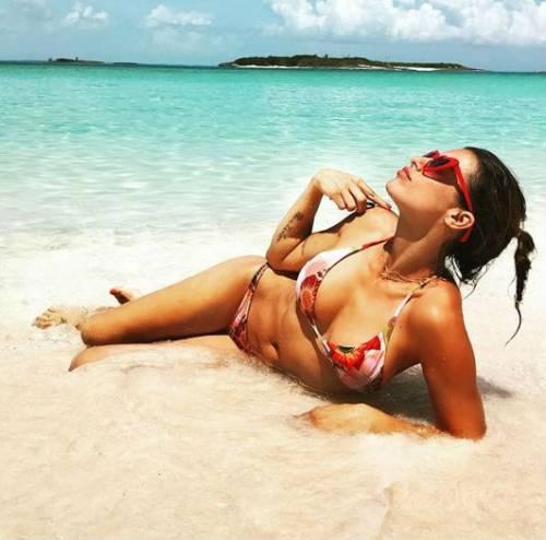Elisabetta Canalis, sexy e sensuale 10