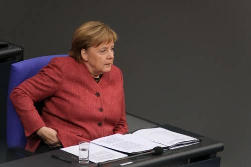 Salvini tiene in scacco la Merkel: non firma il patto sui migranti