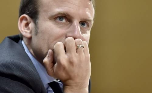 Francia, Macron crolla nei sondaggi: la Le Pen vola al 24%