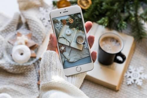Smartphone a Natale: gli psicologi lo sconsigliano
