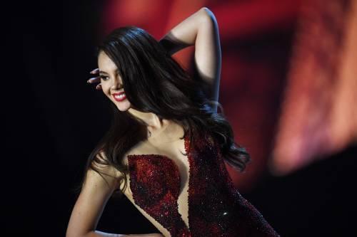 Miss Universo 2018, gli abiti più sensuali
