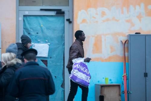 Torino, lo sgombero del villaggio olimpico occupato dai migranti 4