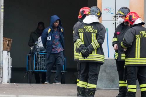 Torino, lo sgombero del villaggio olimpico occupato dai migranti 9