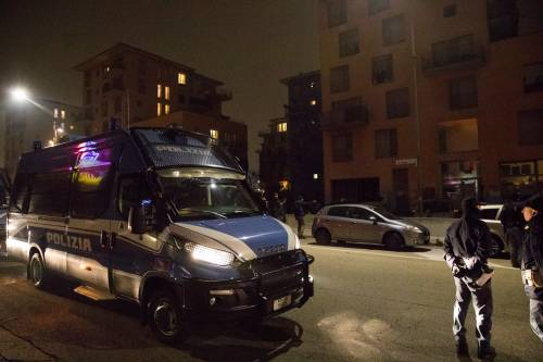 Torino, lo sgombero del villaggio olimpico occupato dai migranti 14