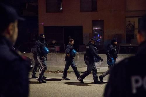 Torino, lo sgombero del villaggio olimpico occupato dai migranti 2