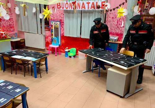 Irruzione a scuola per rubare pc e tablet: arrestati