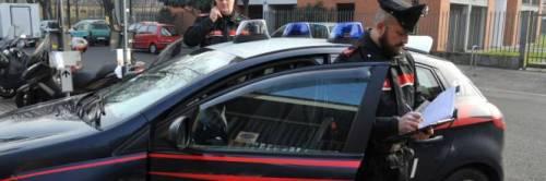 Anziana di 61 anni gonfiata di botte per rapina: preso un romeno