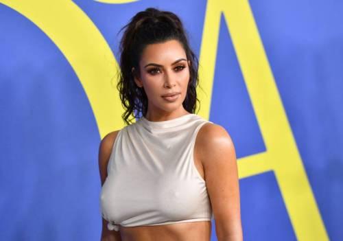 Kim Kardashian semi-nuda su Instagram: foto 2