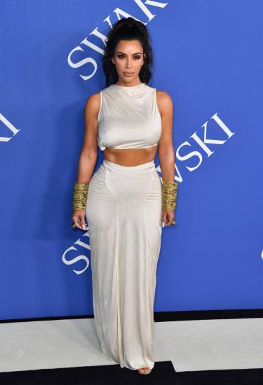 Kim Kardashian semi-nuda su Instagram: foto 1