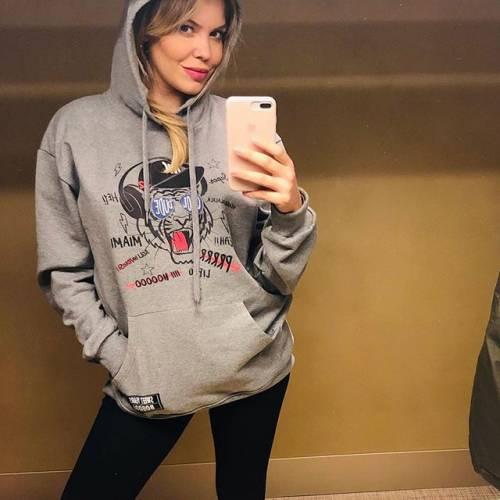 Costanza Caracciolo sexy su Instagram: lady Vieri già in forma dopo la gravidanza 7