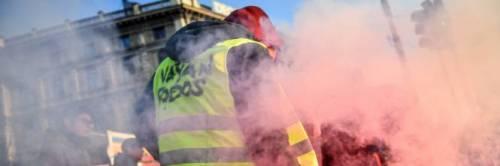 Bologna, protesta in piazza come i Gilet gialli francesi