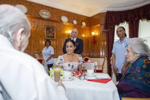 Meghan Markle visita gli ex attori: foto 9