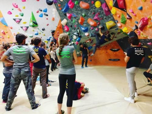 Pareti, arrampicate e vertigini, urban wall, sfida tra campioni