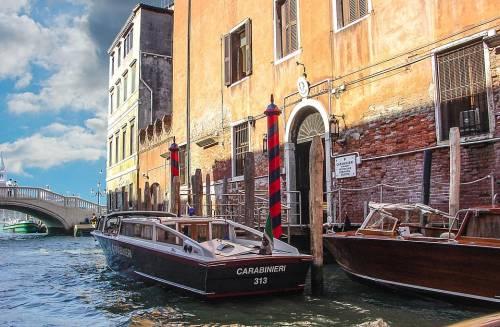 Venezia, incidente fra due barche. C'è un disperso