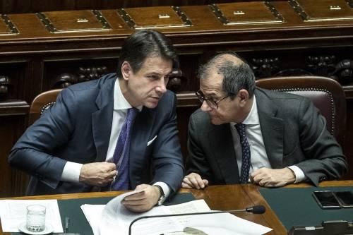 """""""Allora trovi un'altra soluzione"""". L'ira di Salvini e Di Maio su Tria"""