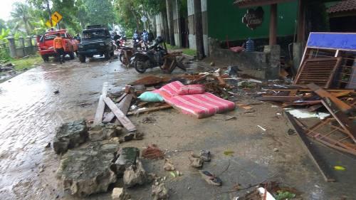 L'Indonesia devastata dalla furia dello tsunami 3