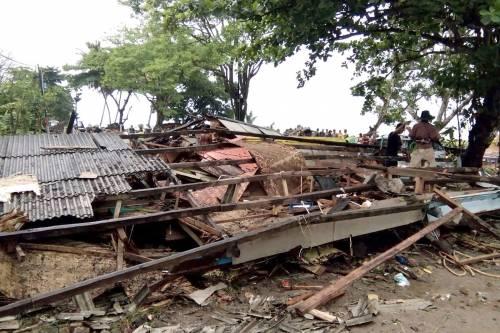 L'Indonesia devastata dalla furia dello tsunami 4