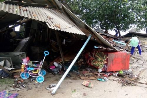 L'Indonesia devastata dalla furia dello tsunami 5