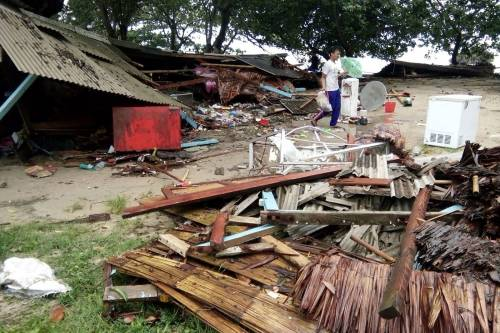 L'Indonesia devastata dalla furia dello tsunami 6
