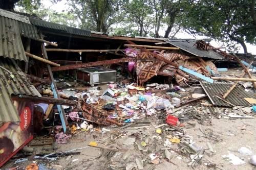 L'Indonesia devastata dalla furia dello tsunami 8