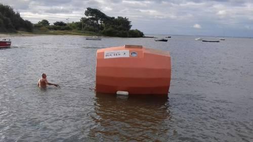 Dalle Canarie ai Caraibi chiuso in un barile: il 71enne sfida l'Oceano