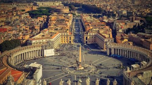 """""""C'è un complotto in Vaticano per far dimettere papa Bergoglio"""""""