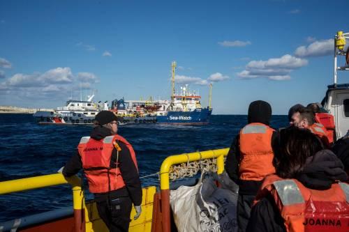 """Sea Watch, arriva lo schiaffo dall'Olanda: """"Non prenderemo i migranti"""""""