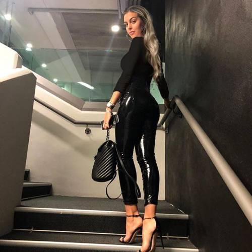 Georgina Rodriguez sempre più seguita su Instagram: gli scatti di lady Ronaldo 8