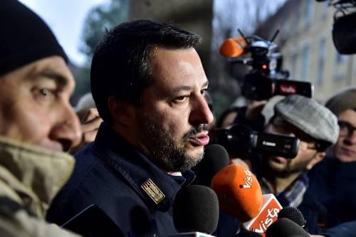 """""""Rispondo solo agli italiani"""" Da Salvini bordata ai vescovi"""
