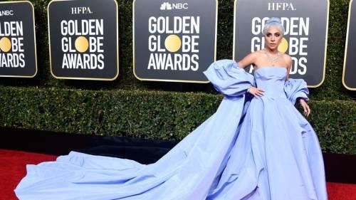 """Golden Globe, Lady Gaga: """"Da donna è difficile farsi prendere sul serio"""""""