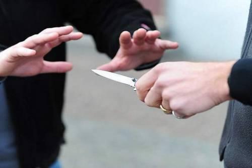 Caltanissetta, accoltella il suo ex che la perseguitava