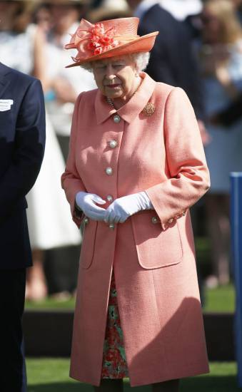 Kate Middleton e la Regina Elisabetta II, foto 5