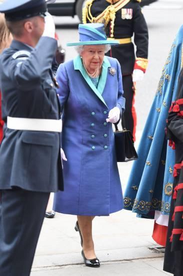 Kate Middleton e la Regina Elisabetta II, foto 9