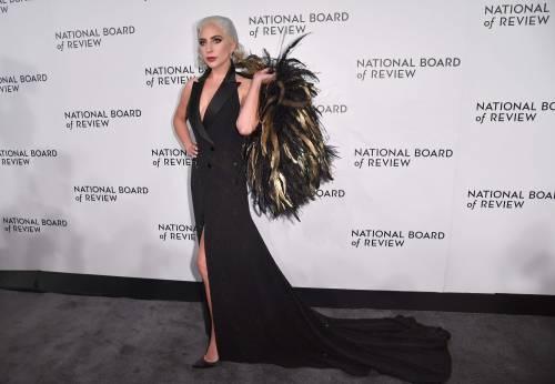 Lady Gaga sexy e chic sul red carpet: foto 5