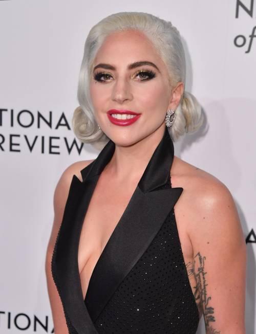 Lady Gaga sexy e chic sul red carpet: foto 6