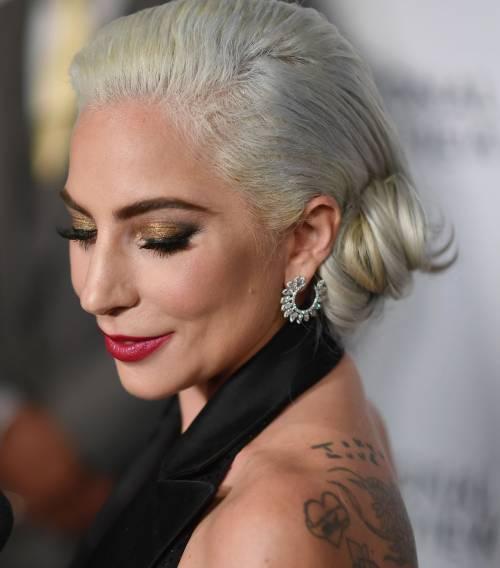Lady Gaga sexy e chic sul red carpet: foto 2